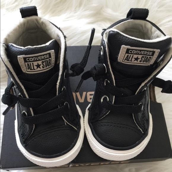 ziet er goed uit schoenen te koop erkende merken de goedkoopste Baby Converse leather high tops Size 4